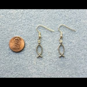Clear Sky Designs Jewelry - Pewter Fish Drop Earrings w Silver Plated Earwires